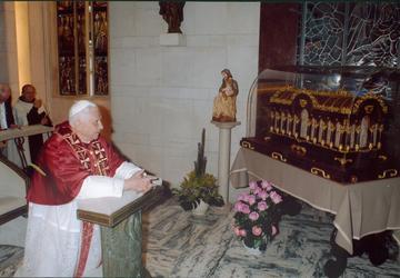 Pape reliques